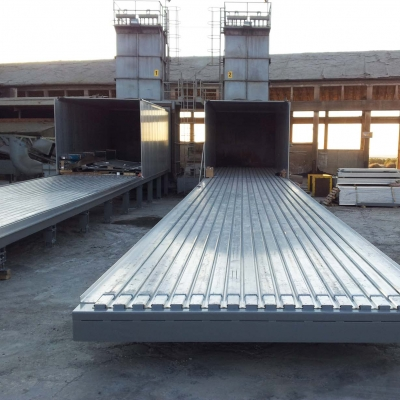 Moving floor cargo floor 12 14.jpg