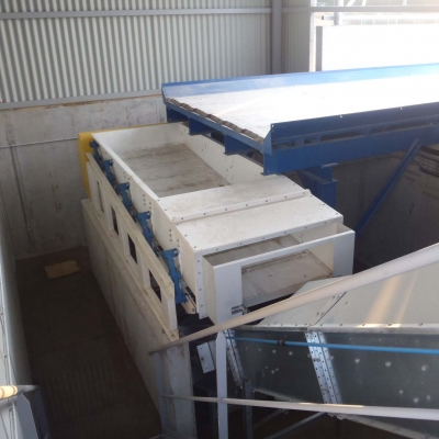 Moving floor cargo floor 13 01.jpg