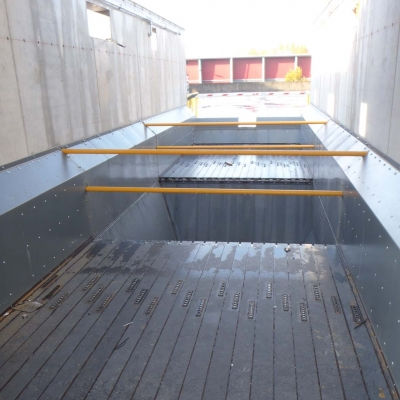 Moving floor cargo floor 16 10.jpg
