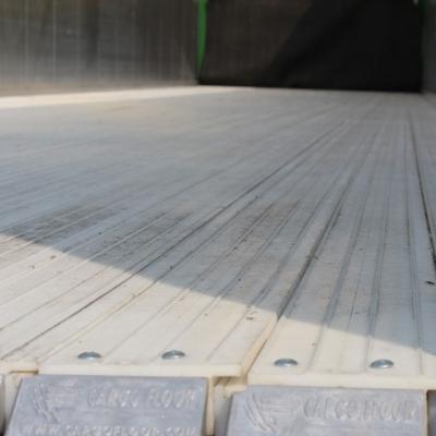 Cargo Floor moving floor plastic floor oplegger 66.jpg