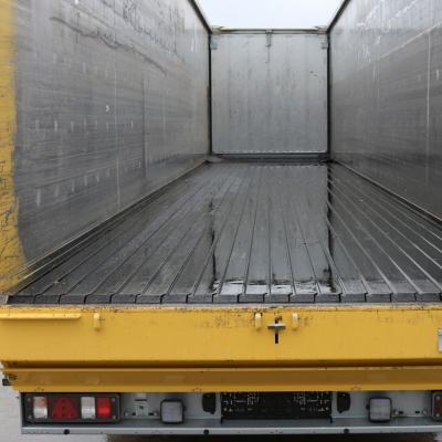 Cargo Floor moving floor Trailer oplegger 65 vloer.jpg