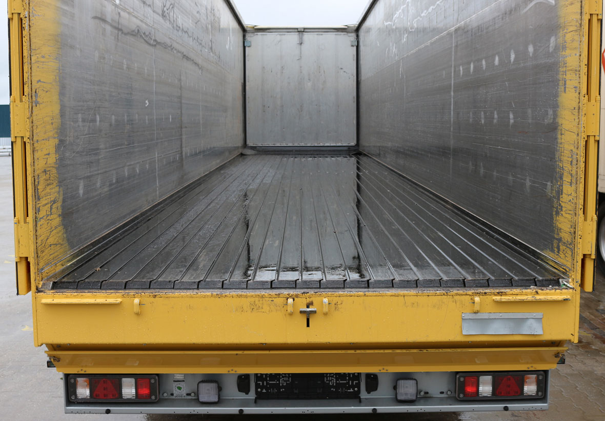 Cargo Floor moving floor Trailer oplegger 65 vloer.jpg